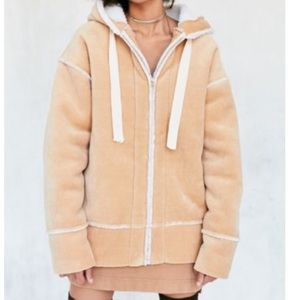New UO ecote oversized vegan sherpa hoodie jacket
